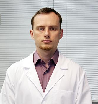 Врач имплантолог Зарудний Вячеслав Александрович, специализируется на имплантации зубов