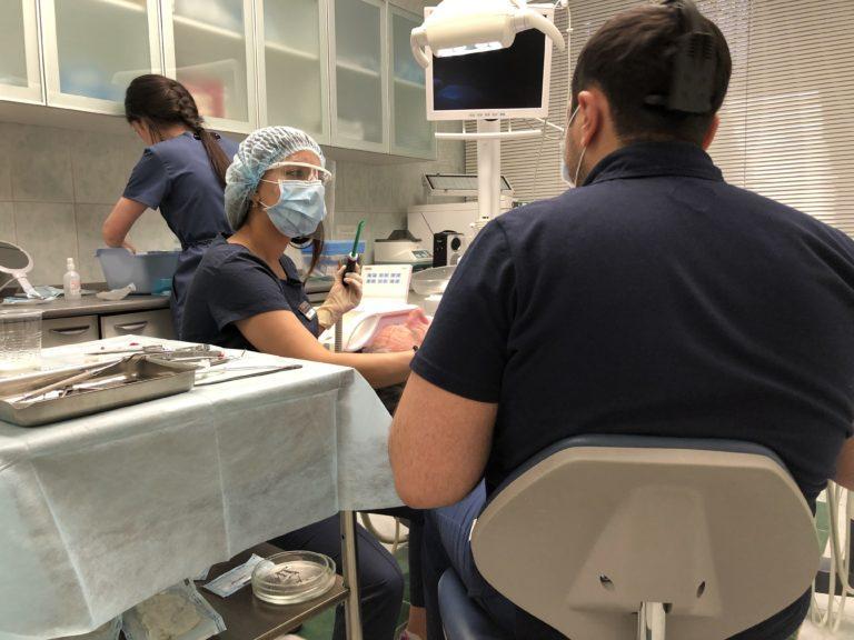 Восстановление утраченных зубов в стоматологической клинике