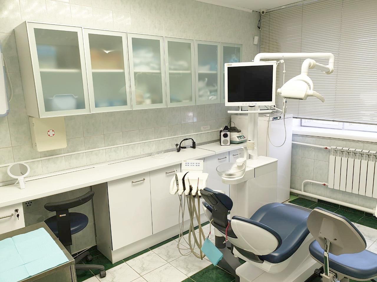Сколько стоит поставить имплантанты зубов