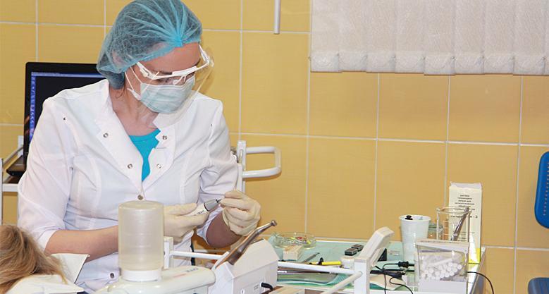 Лечение оголенных корней зубов