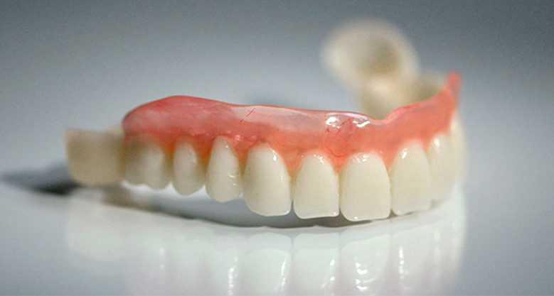 Зубной протез без неба