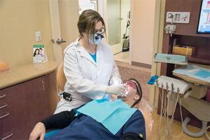 Болят все зубы и лечение в стоматологии
