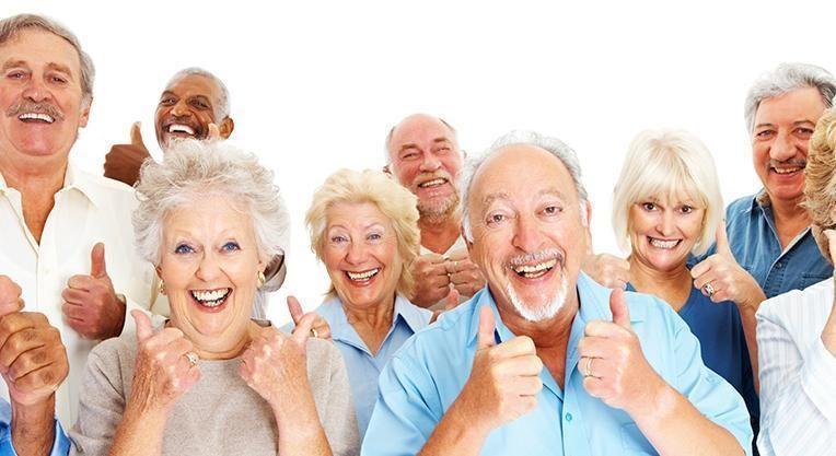 довольные пациенты стоматологической клиники