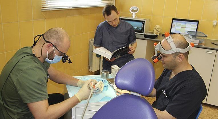 врачи стоматологии