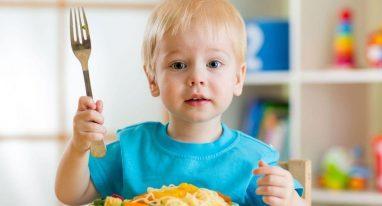 Накормите ребенка перед походом к врачу