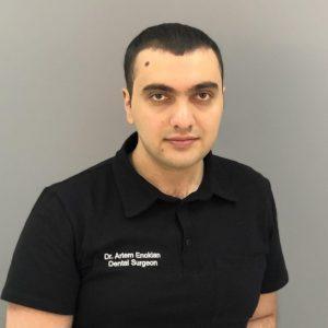 Врач имплантолог Енокян Артем