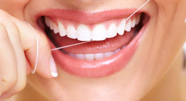 Не нужно пренебрегать зубной нитью