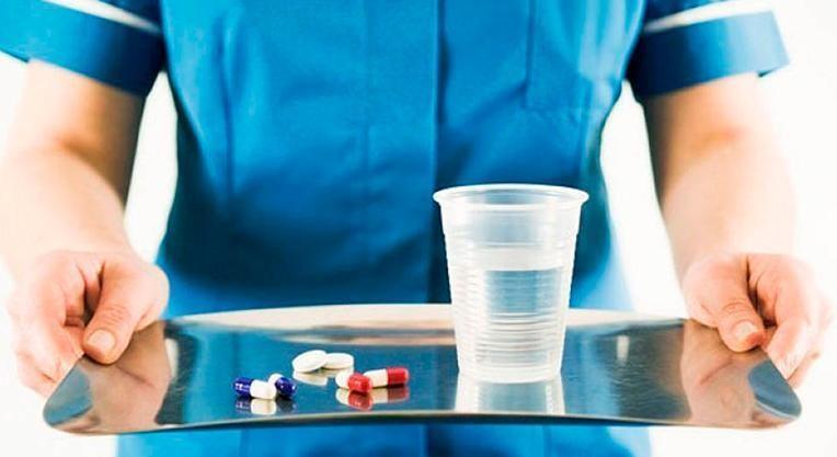 пациентам назначают антибиотики