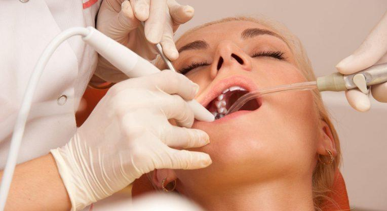 После введения анестезии исчезают любые виды чувствительности