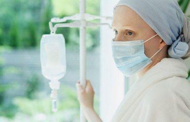 Отбеливание противопоказано для людей с онкологическими заболеваниями