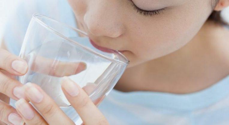 Обильное полоскание рта